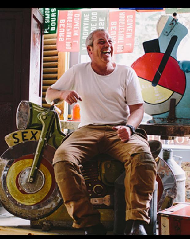owner of antique shop Reginald ballum