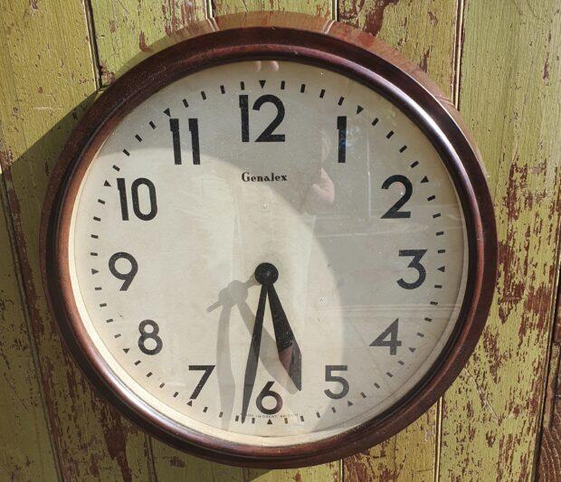 1930s genalex vintage decorative clock