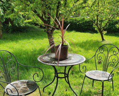 small steel 2 chair bistro set garden furniture