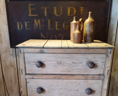 Rustic pine chest of 3 drawers furniture