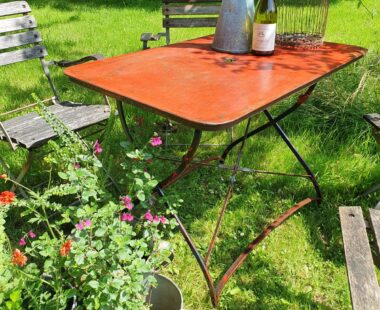 french painted metal bistro table