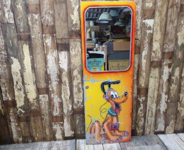 amusement arcade mirrored door painted with pluto mirrors